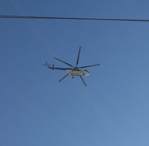 Вертолет над городом*