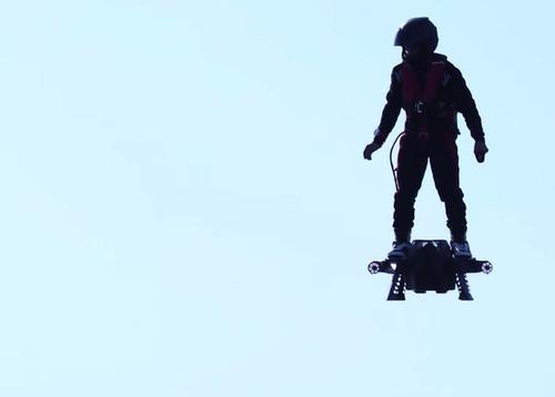 Побит рекорд Гиннесса по дальности полетов на ховерборде