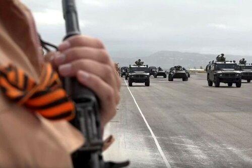 Парад Победы прошел на российской авиабазе Хмеймим в Сирии