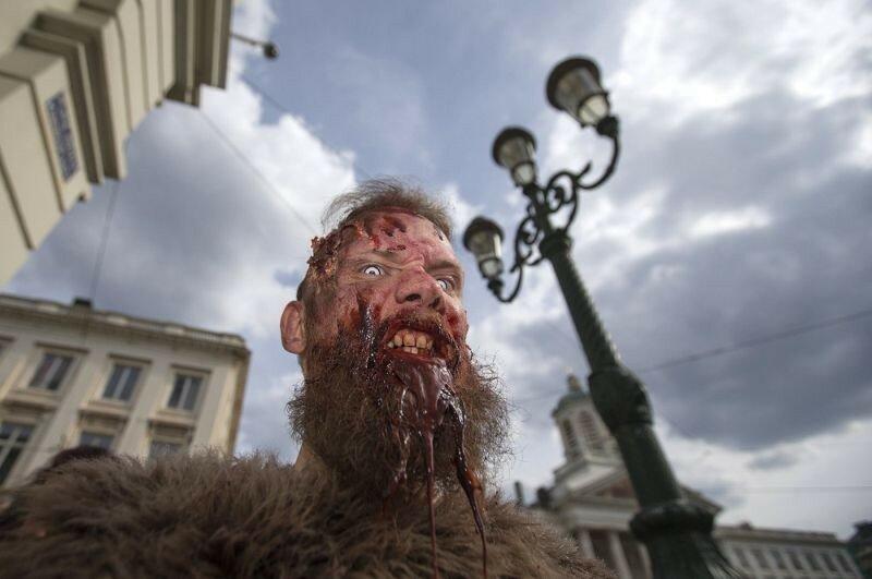 Окровавленные зомби в Брюсселе на фестивале фантастики 0 160787 fe19c37e XL