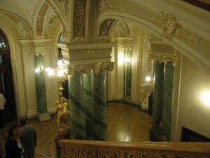 Одесский театр оперы и балета - мраморные колонны