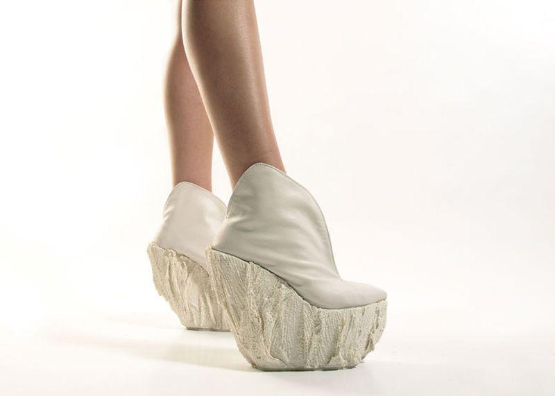1. Фарфоровые туфли. Когда молодой дизайнер Лаура Папп (Laura Papp) делала свою дипломную работу, он