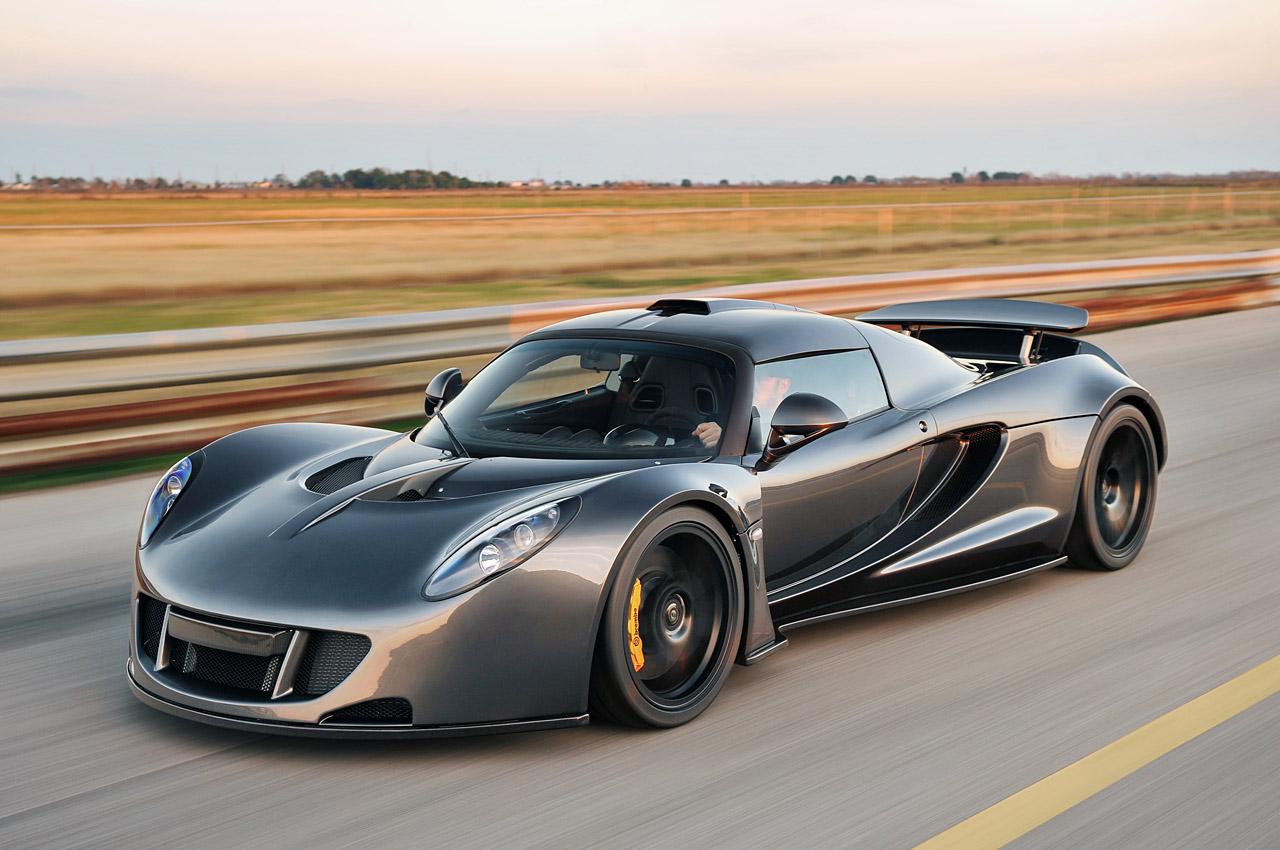 Hennessey Venom GT. С 6,2-литровым турбированным двигателем V8, Hennessey Venom GT может разогнаться