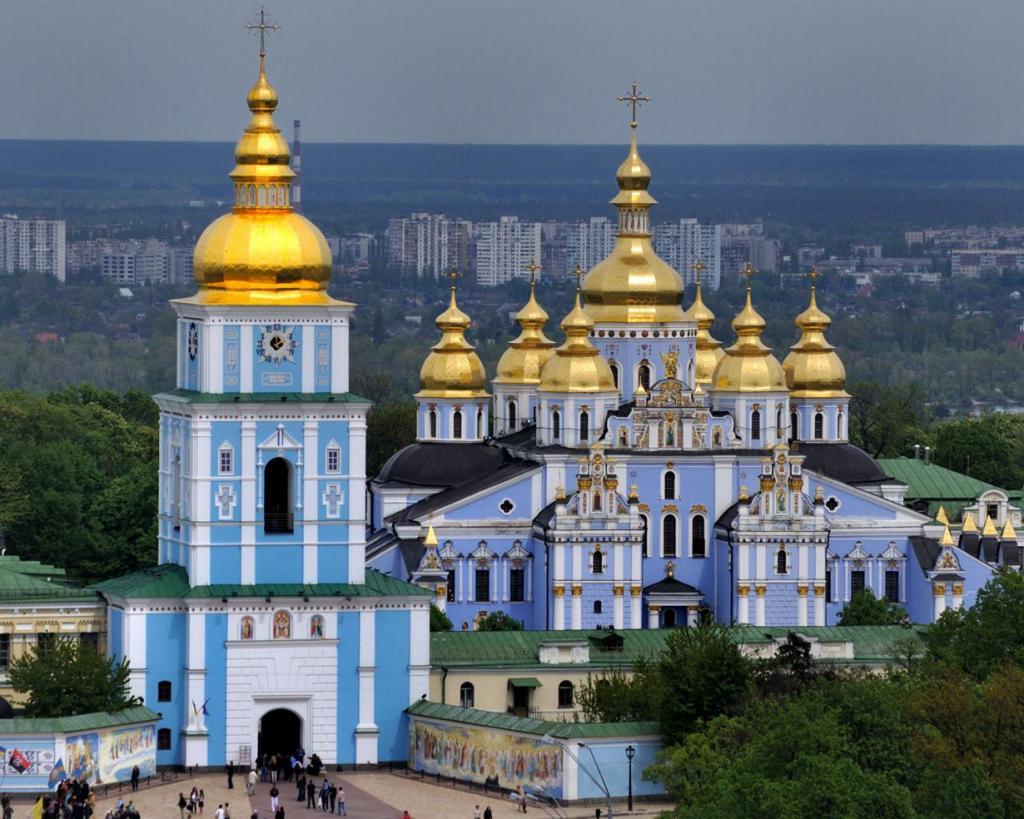 Украина. Киев. Михайловский Златоверхий монастырь. (Andrew)