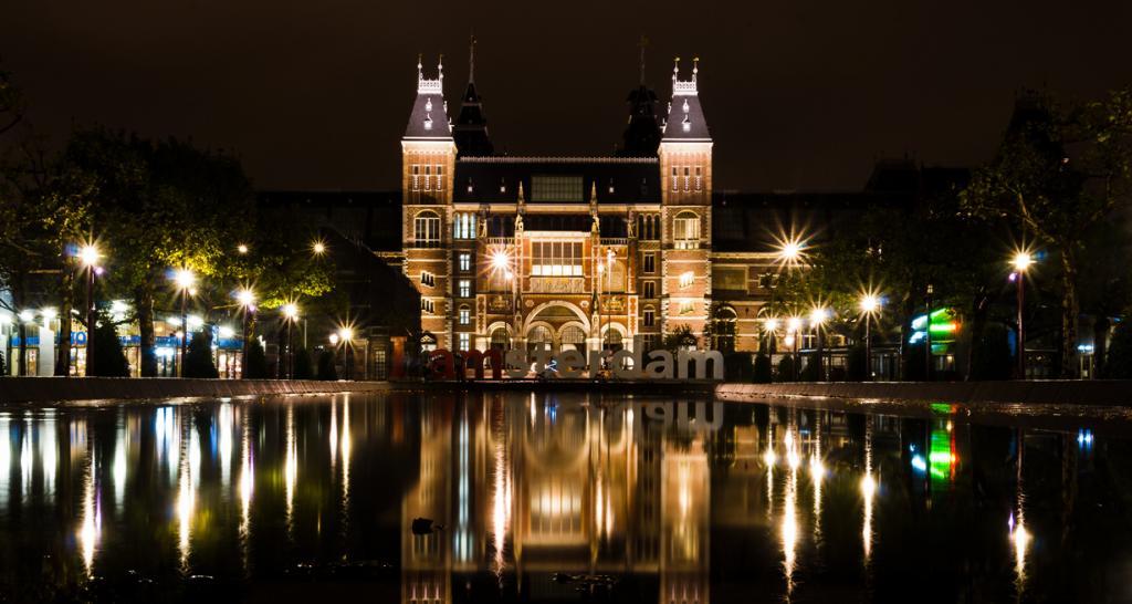 Нидерланды. Амстердам. Государственный музей. (andreaerdna)