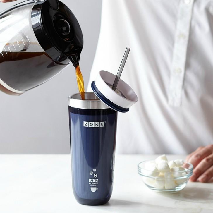 16. Охлаждающий стакан Zoku Чашка Zoku Iced Coffee Maker для любителей холодного кофе.
