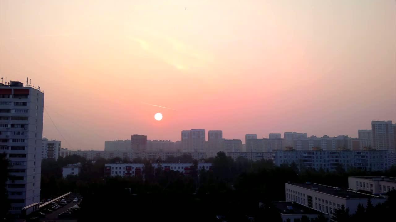 moskva-utro-smog_02882500.jpg