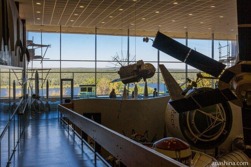 Вид из Музея космонавтики на Яченское водохранилище, Калуга