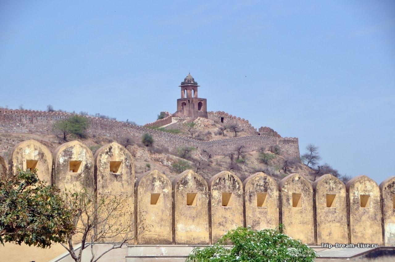 Стены форта Амбер