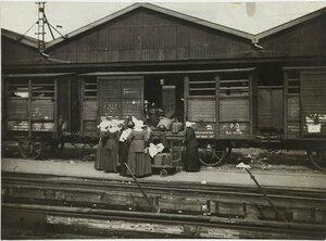 1914. Поезд на одном из  парижских вокзалов