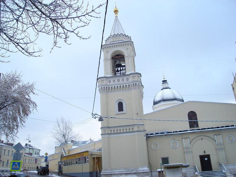 Колокольня Иоанно-Предтеченского женского монастыря.