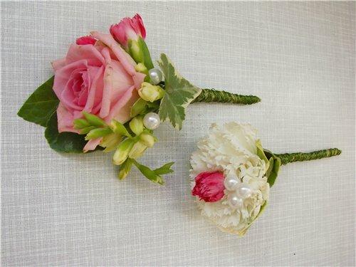 Бутоньерка для жениха из живых цветов своими руками