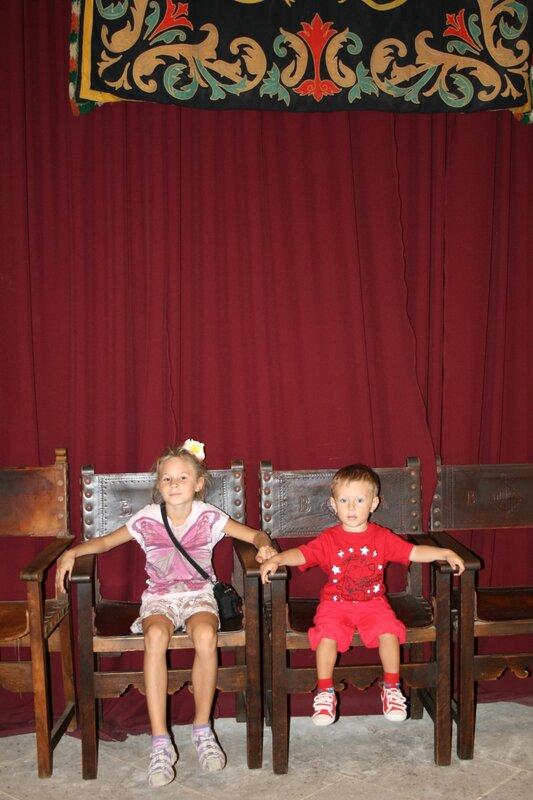 Детки в замке Бельвер