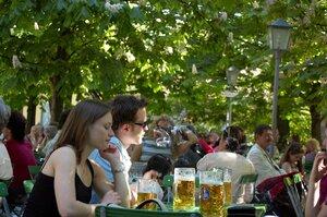 Баварцы в Английском саду