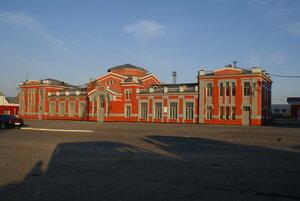 Барнаул. Здание вокзала в лучах рассвета
