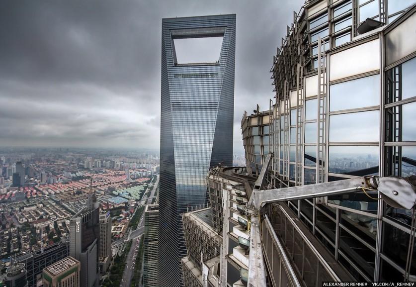 Башня Jin Mao. Название дословно переводится, как Золотое Процветание. Кстати, самый лучший wifi, ко