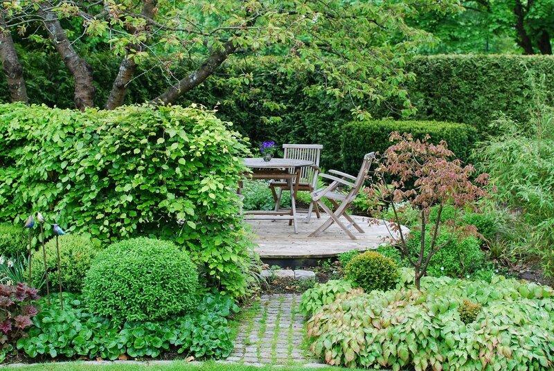 В саду у Марии