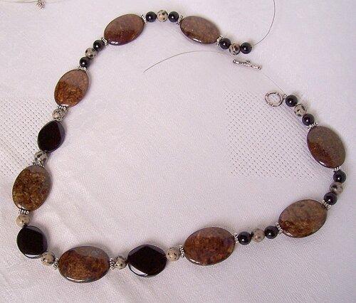 bronzite,black onyx,dalmatian jasper,jasper,necklace