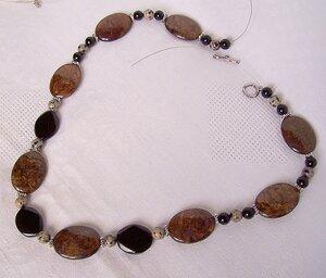 bronzite,black onyx,dalmatian jasper