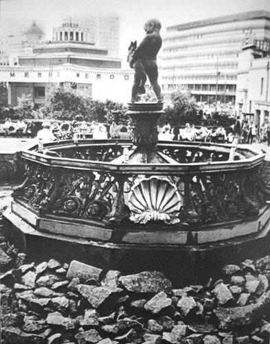 Фонтан на Арбатской площади