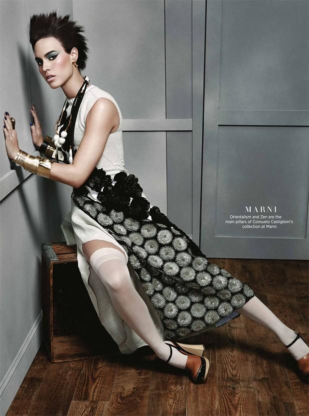 Alana-Bunte-v-zhurnale-Harpers-Bazaar-Singapore-12-foto