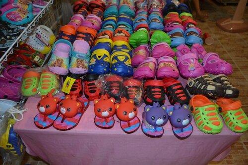 Детская обувь на Пукете