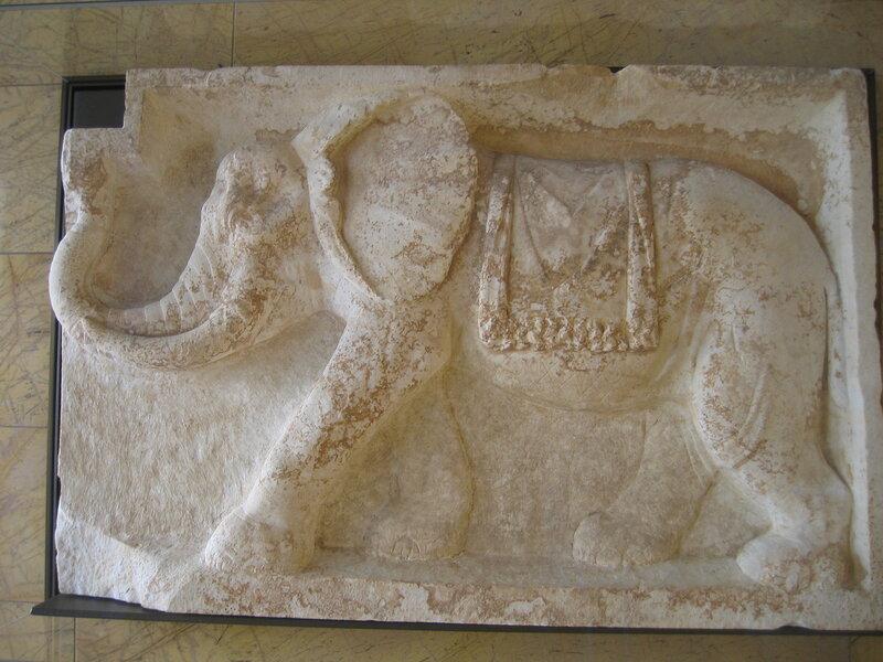 Античный слон