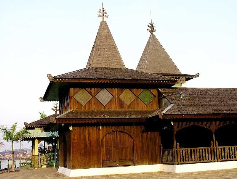Мечеть в Банджармасине (Калимантан)