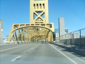 Сакраменто. Золотой Тауэрский мост ( Golden Tower Brige).