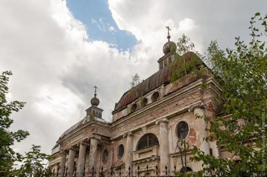 Прогулка по заброшенному храму Казанской иконы Божьей Матери в Яропольце 0 11e848 bdcab526 orig
