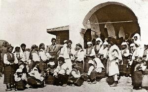 Жители на село Горна Студена пред селската църква, август - септември 1877 г.