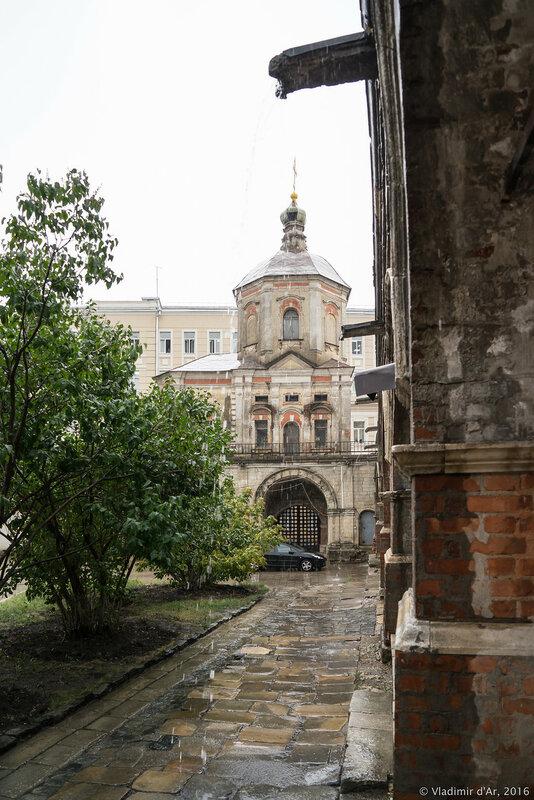 Церковь Петра и Павла. Высоко-Петровский монастырь.