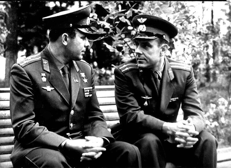 Юрий Алексеевич Гагарин и Владимир Михайлович Комаров