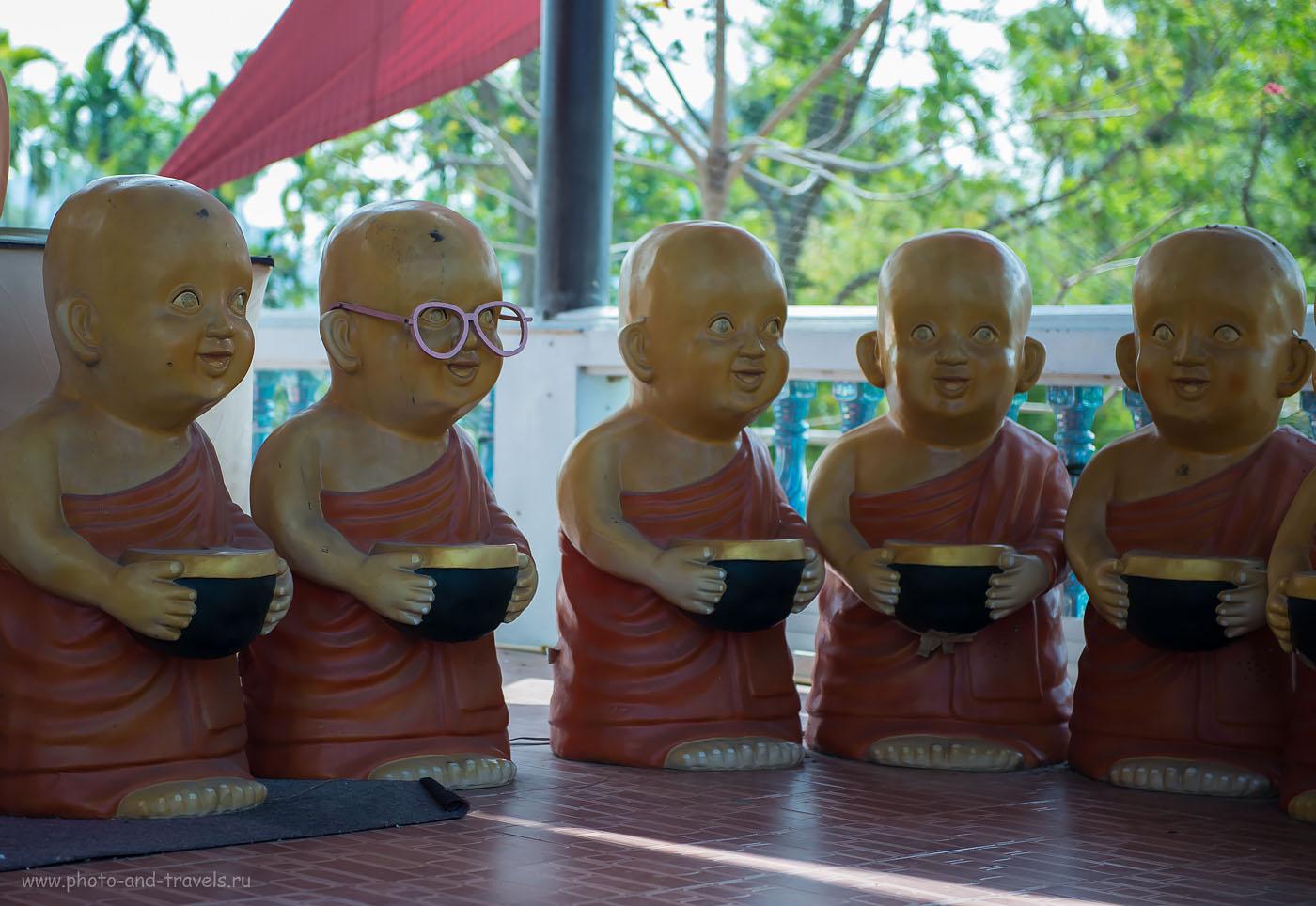 Фото 22. Молодые монахи в храме Ват На Янг. Отзывы туристов об отдыхе в Таиланде дикарями. Окрестности Хуахина.