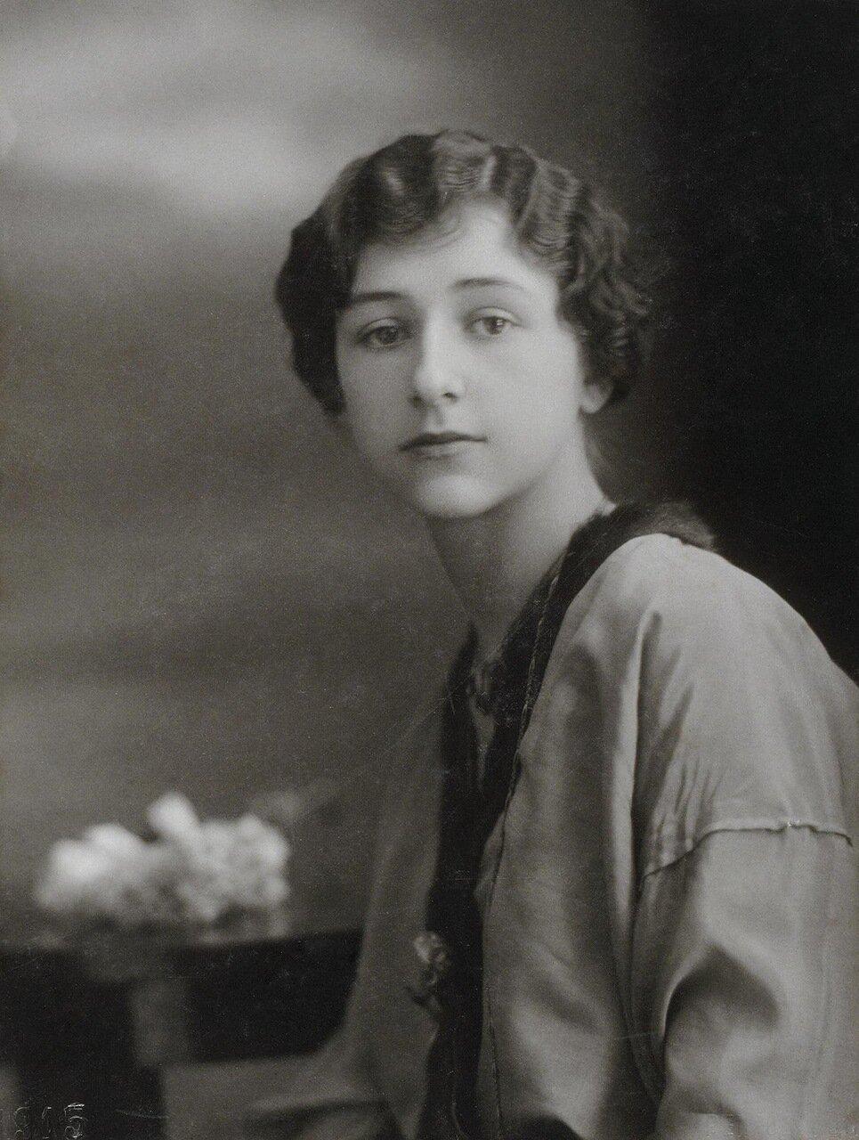 Портрет балерины Алисии Вронской. 1916
