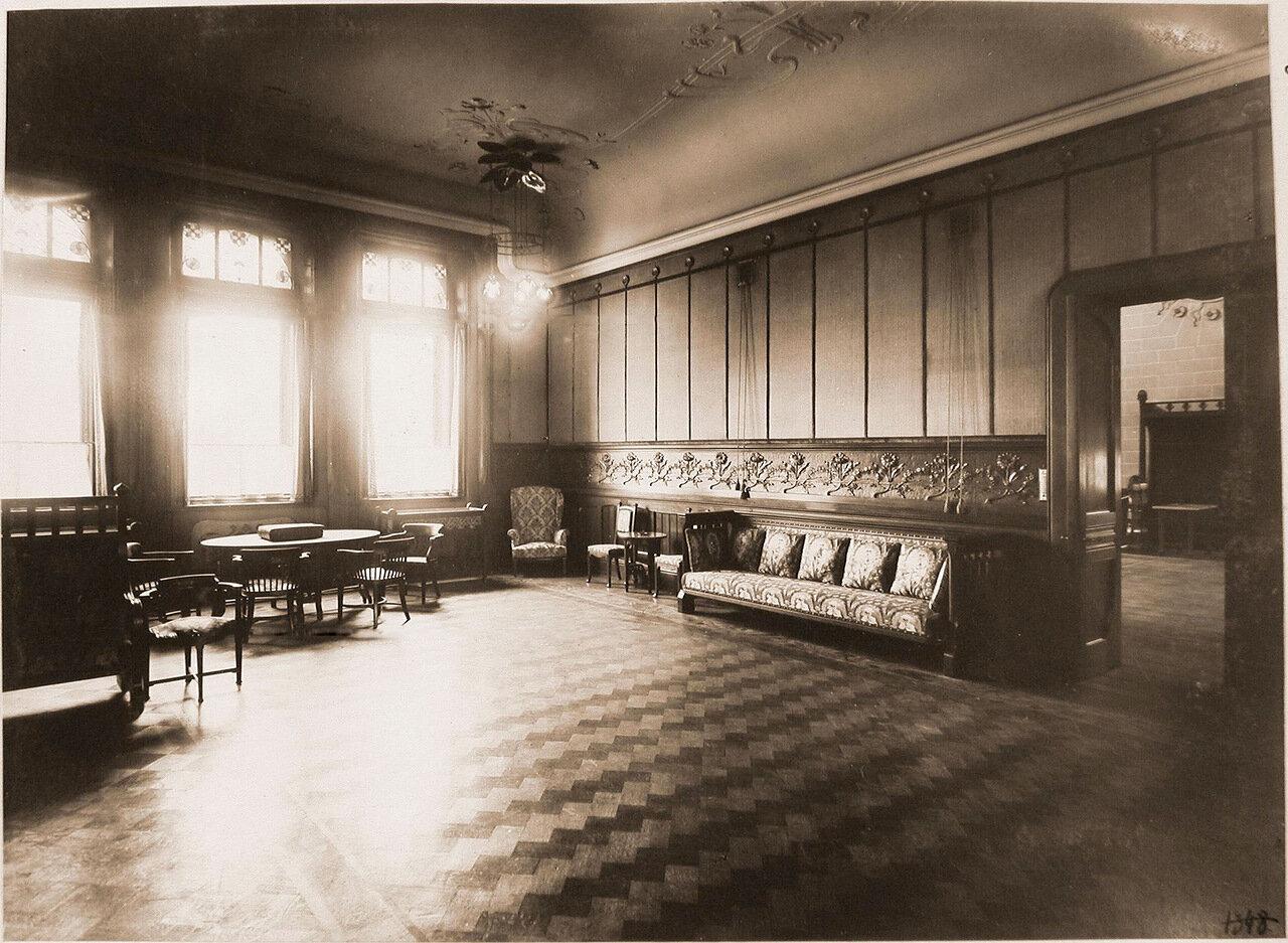 06. Вид части гостиной комнаты Императорского павильона