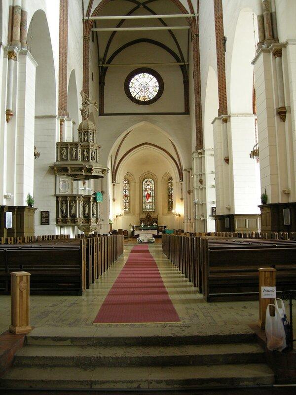 Внутри Домского собора