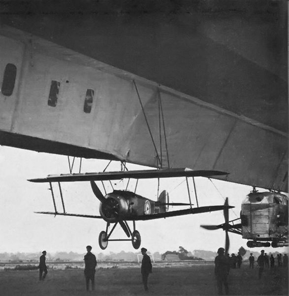 Sopwith Camel 2F.1 biplane attached to British airship 23r.jpg