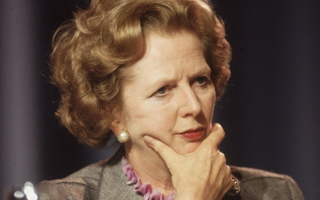 Margaret Thatcher in 1985 at the Conservative Party Conference in Blackpool.jpg