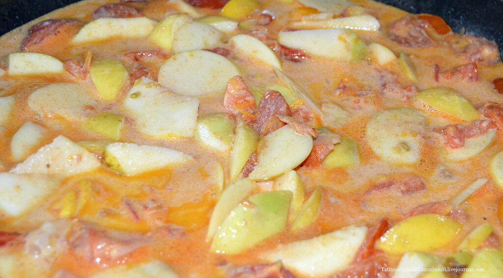 Перцы фаршированные в яблочном соусе