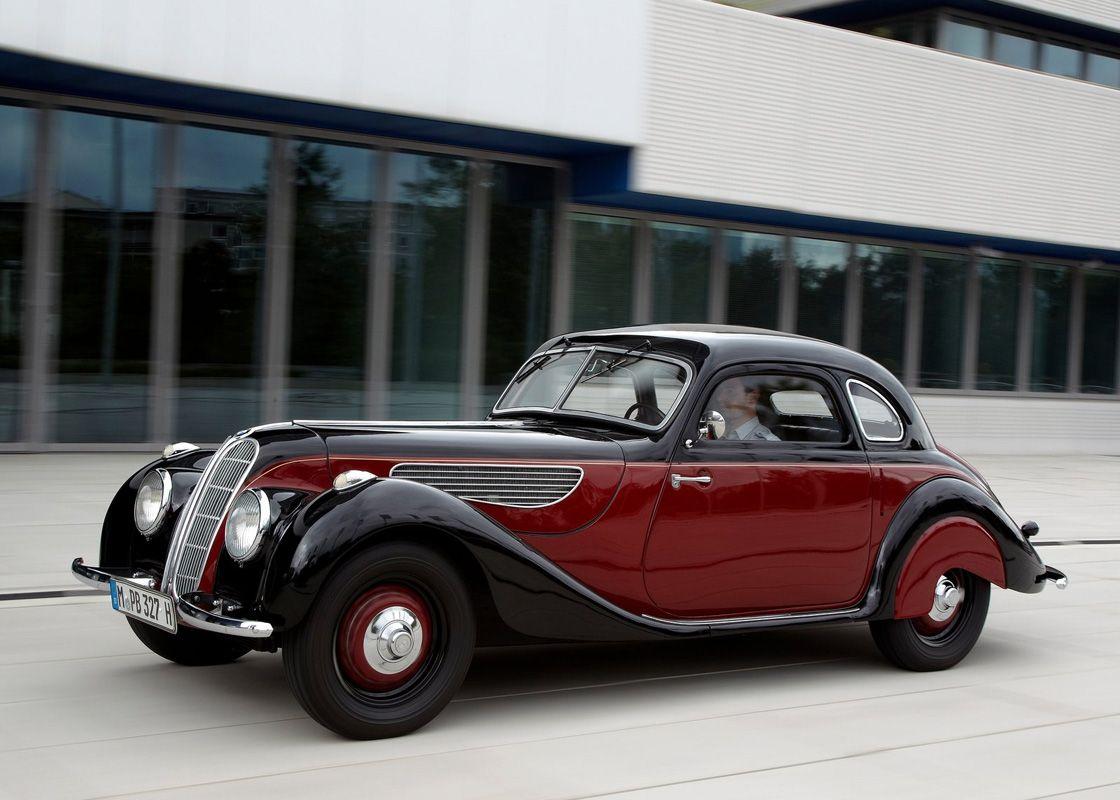 17 Mercedes-Benz 320 (1937)