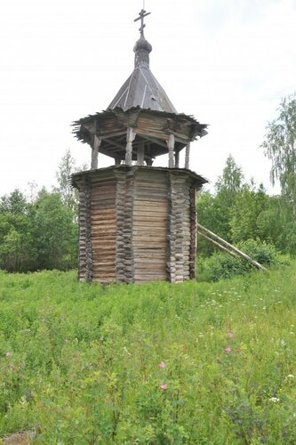 Цивозеро. Колокольня церкви Флора и Лавра