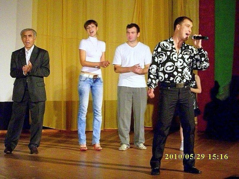 О театре, май 2010, П-А НТ, фото Романа Тышечко ... 02.jpg