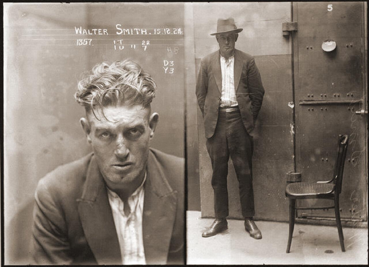 2.Вальтер Смит – опаснейший бандит, гроза улицы. В специфике, которого были уличные разбои и заказные убийства от мафии. Не любил оружие, убивал людей голыми руками, аккуратно сворачивая им головы как петухам в темных переулках. В пометке уголовного дела сказано: Очень опасен, имеются ярко выраженные садистские наклонности, может кусаться, чувство страха отсутствует, сажать в одиночку