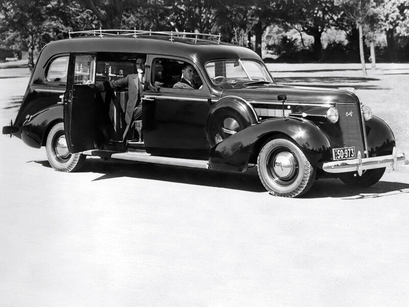 Buick Hearse AU-spec '1937 2.jpg