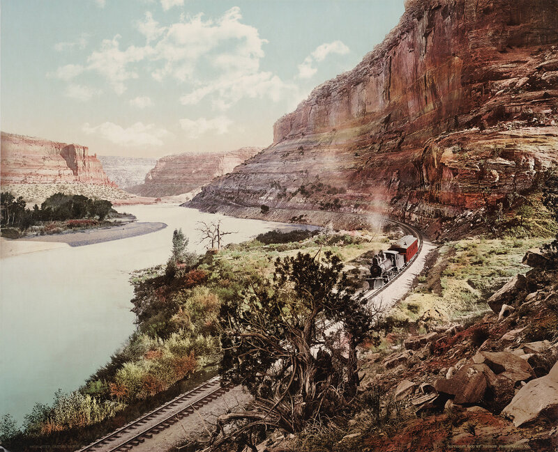 A Denver & Rio Grande railway train makes its way along the Colorado River in Ruby Canyon, in Utah, Photochrom, 1900