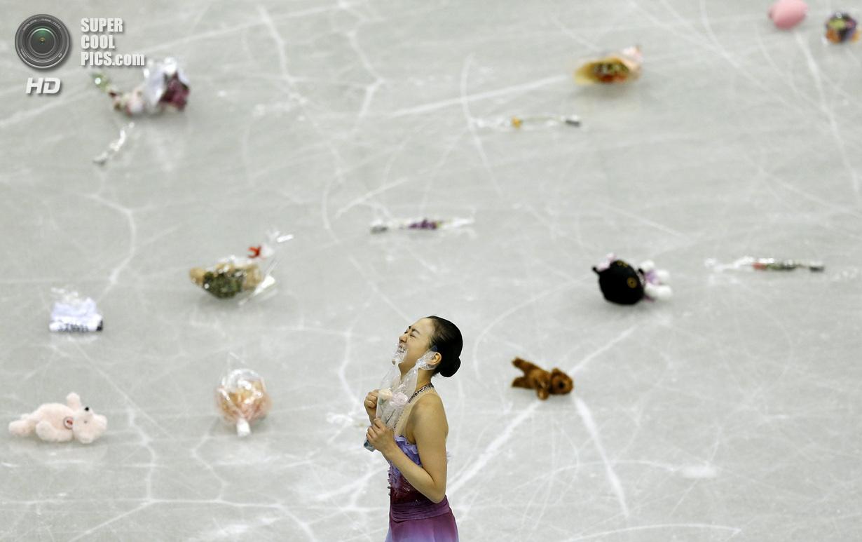 Япония. Фукуока. 5 декабря. Мао Асада из Японии в Финале Гран-при по фигурному катанию. (REUTERS