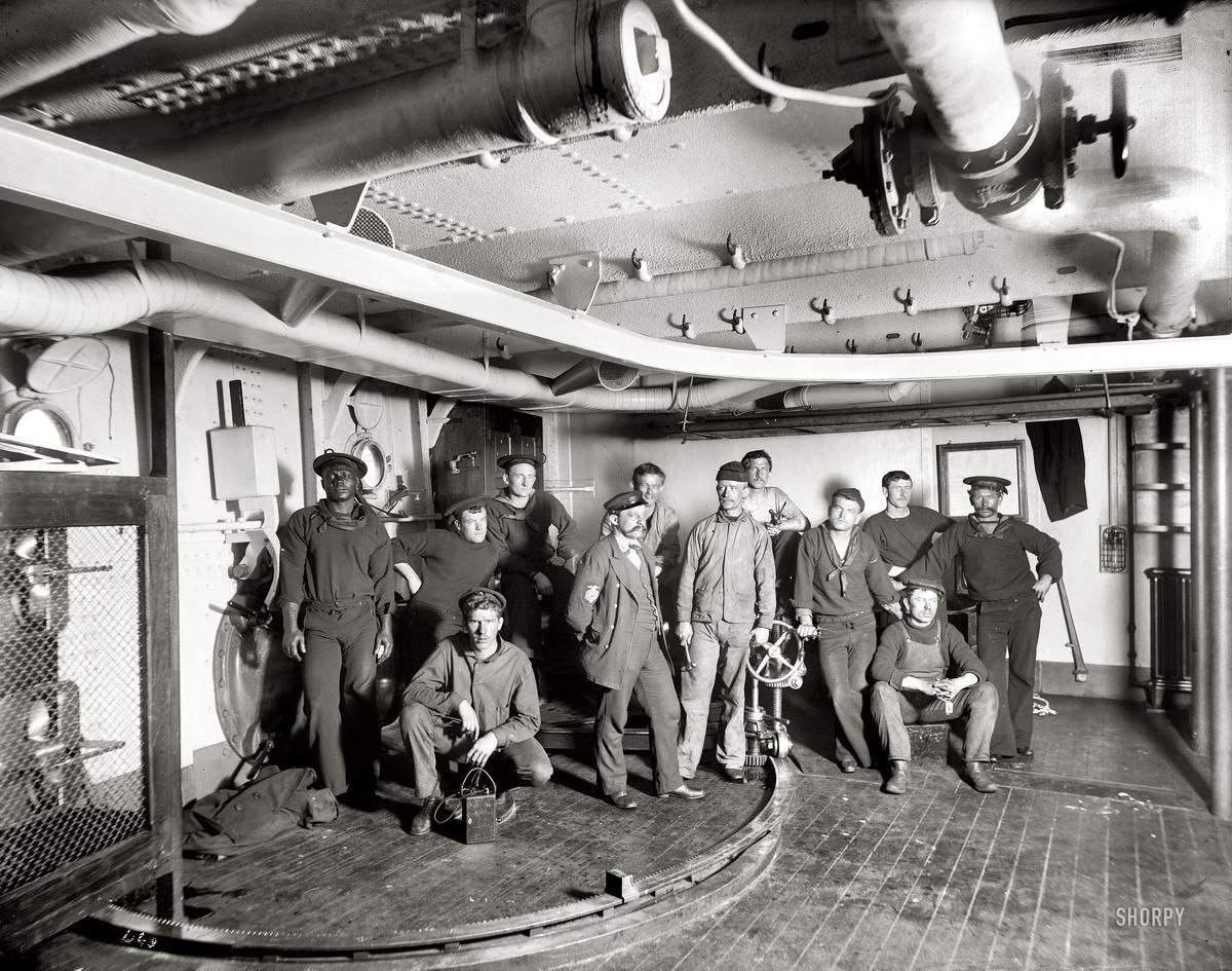 Корабли, речные суда и военные моряки на снимках американских фотографов конца 19 века (19)