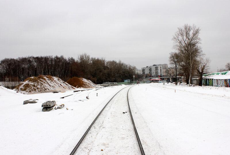 Между Серебряным бором и Братцево, в районе моста над Рижским направлением