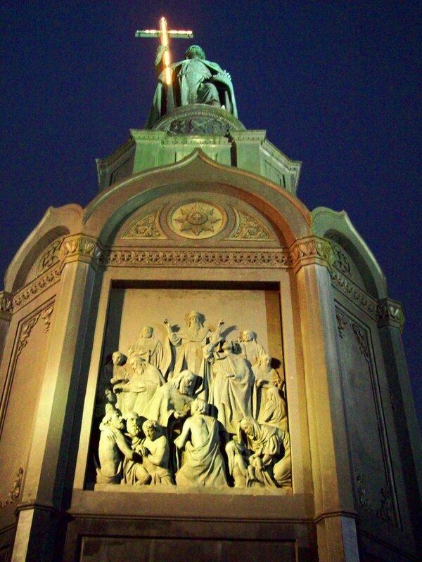 Киев.Памятник Владимиру-Крестителю